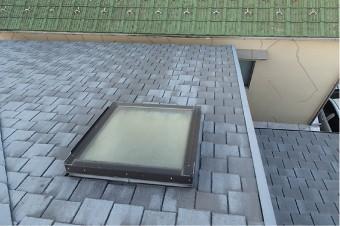 築21年の屋根に取り付けられた天窓
