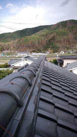 松本市野溝の屋根にて瓦のメンテナンス・棟の瓦を載せ替えました
