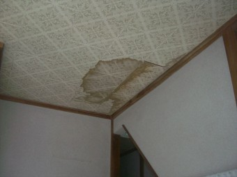 安曇野市豊科 瓦棒屋根雨漏り