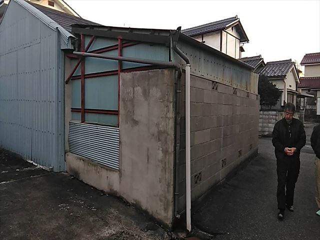 解体前小屋