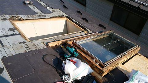 塩尻市で結露雨漏り解消のため天窓塞ぎ工事をいたしました