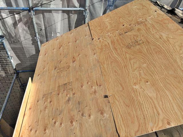 松本市中央にて築90年の貸店舗の屋根・外壁工事、屋根も仕上がりました。