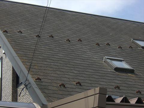 松本市野溝で行った屋根カバー工事の天窓の収まりをご紹介します