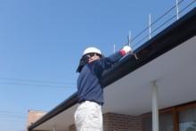松本市屋根フッ素塗替え施工中
