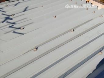 三郷折半屋根