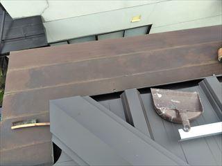 下諏訪町の立平45ロックへのカバー工法本日は塗装工事です