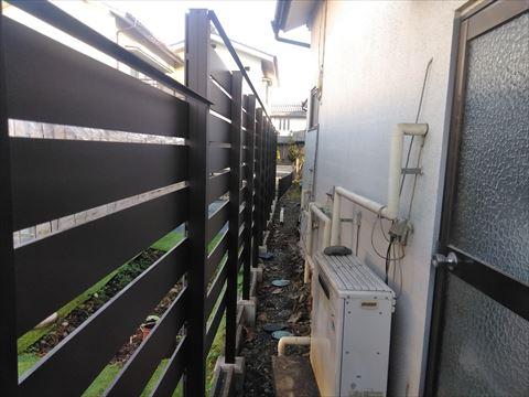 塩尻市でガルバリウム鋼板への葺き替え工事 本日は雨樋取り付けです