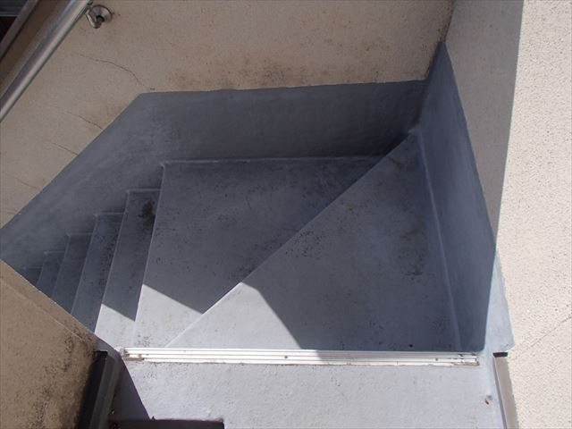 外階段 FRP 雨漏り
