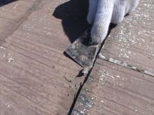 諏訪市屋根塗装下地処理中