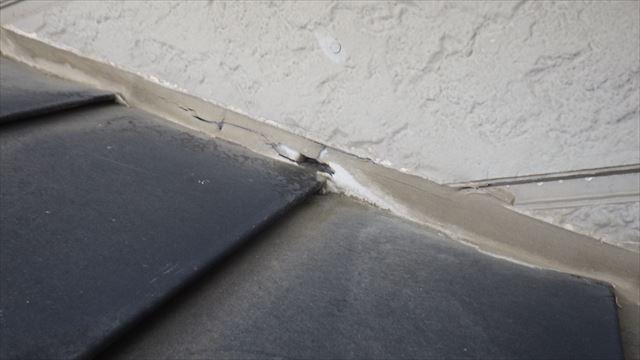 安曇野市三郷 壁際 雨漏り