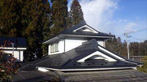 根から金属屋根へ葺き替え
