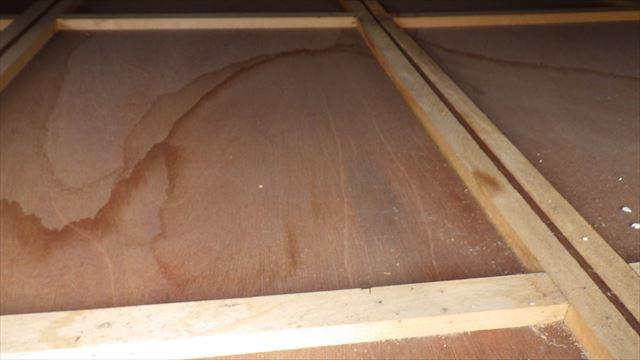 天井裏 漏水
