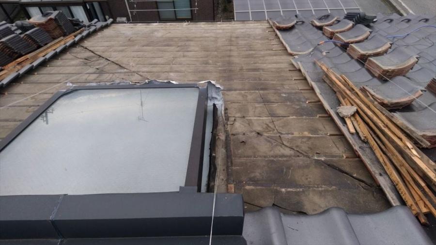 安曇野市豊科で天窓から雨漏り発生!防水シート張替工事が完了!